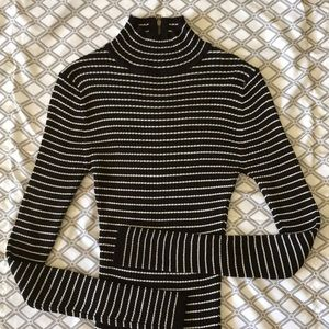 Sweater Black & White Striped, Ribbed, Zipper back